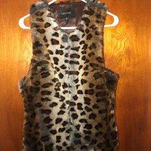 NWOT Karen Kane Faux fur cheetah print vest